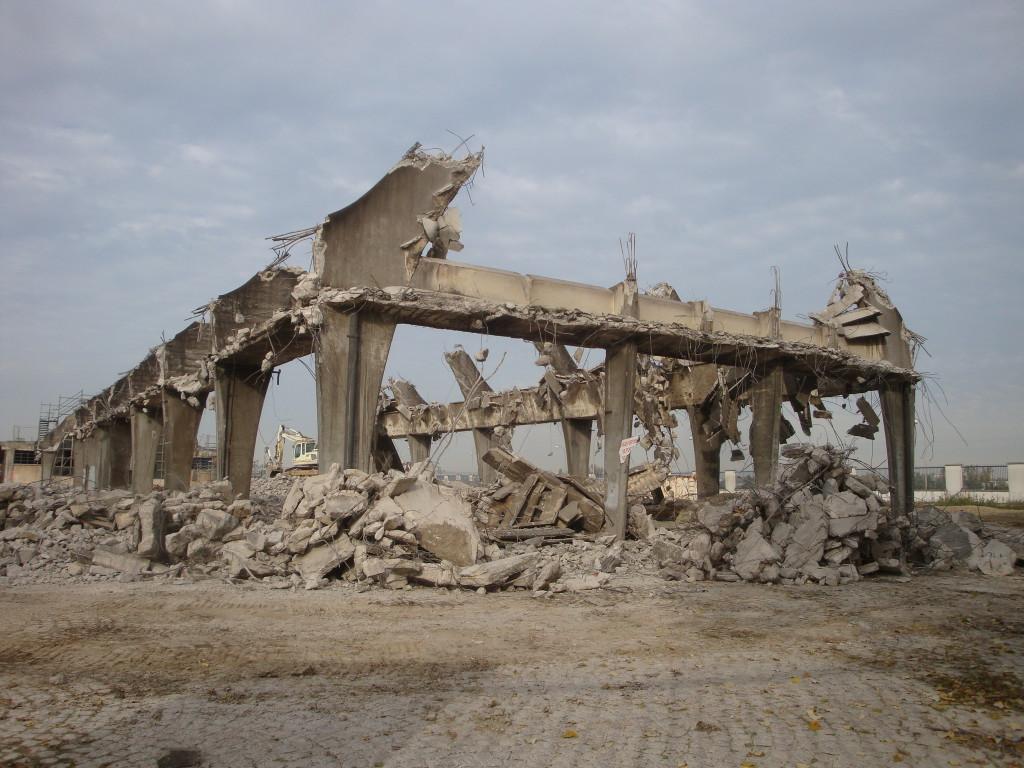 démolition halle ponsan 28 nov2013 011