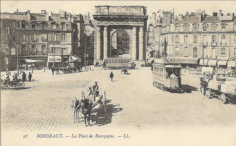 800px-Bordeaux_Porte_de_Bourgogne_vers_1905