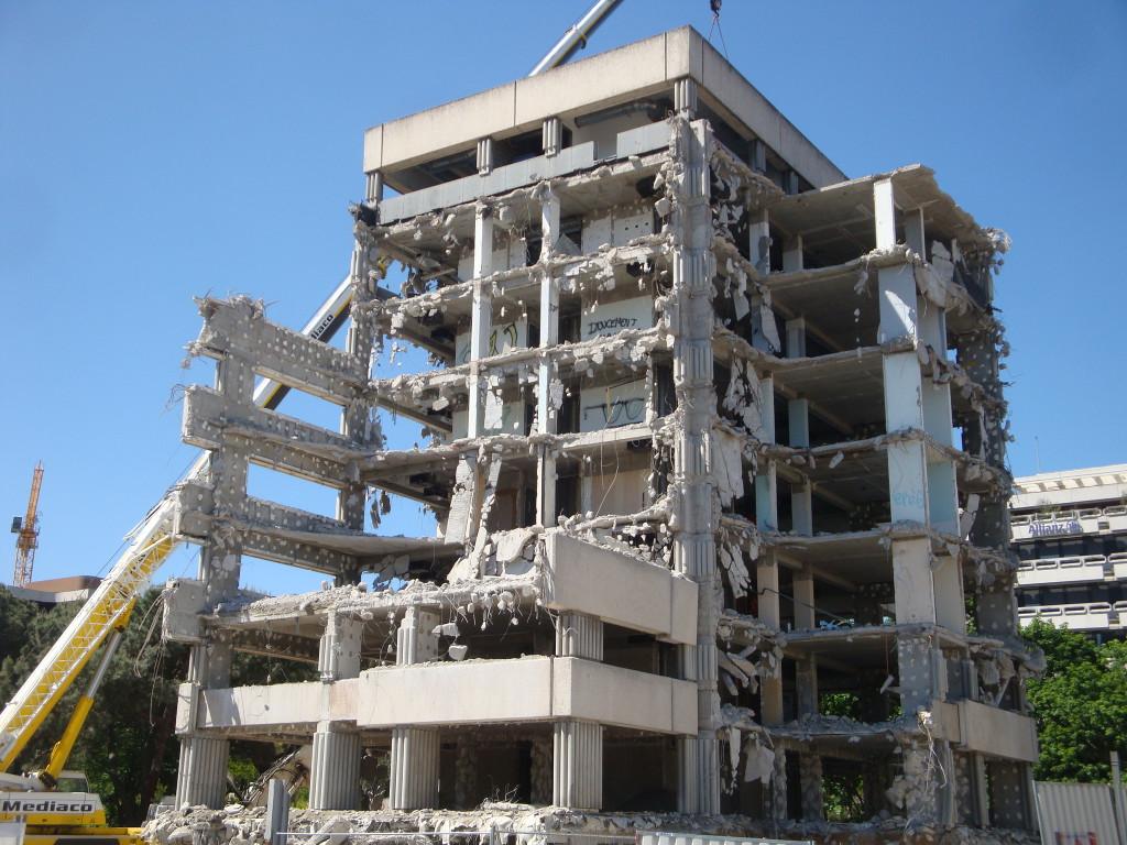 démolition Croix du Mail 16 mai 2012 021